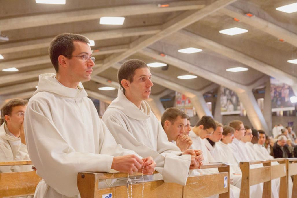 L-Eglise-de-France-veut-prendre-soin-de-ses-pretres_article_popin